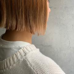 外ハネボブ 切りっぱなしボブ ミニボブ ブリーチ ヘアスタイルや髪型の写真・画像