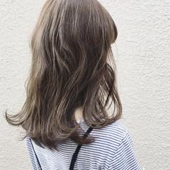 ロブ カーキアッシュ カーキ ナチュラル ヘアスタイルや髪型の写真・画像