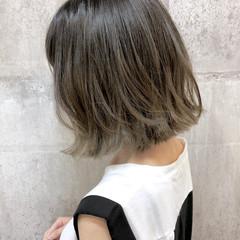 外ハネボブ ナチュラル ハイライト グレージュ ヘアスタイルや髪型の写真・画像