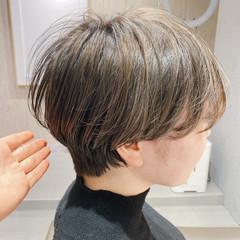 ショート ショートボブ フェミニン グレージュ ヘアスタイルや髪型の写真・画像