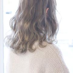 ストリート ゆるふわ ミディアム 大人女子 ヘアスタイルや髪型の写真・画像