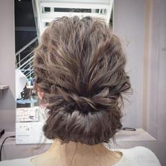 ギブソンタック ミディアム ヘアアレンジ 波ウェーブ ヘアスタイルや髪型の写真・画像