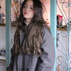 ニュアンス ロング 大人女子 外国人風 ヘアスタイルや髪型の写真・画像