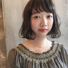 ウェーブ 女子会 リラックス アンニュイ ヘアスタイルや髪型の写真・画像