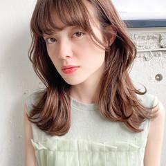 ミディアム 透明感カラー くびれカール ナチュラル ヘアスタイルや髪型の写真・画像