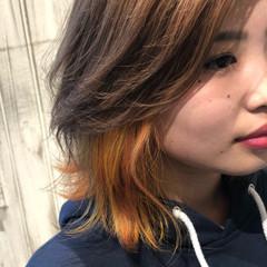 インナーカラーオレンジ ボブ ストリート イエロー ヘアスタイルや髪型の写真・画像