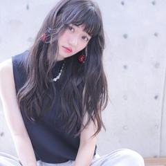 黒髪 フェザーバング ストレート アッシュグレージュ ヘアスタイルや髪型の写真・画像