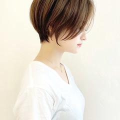 耳掛けショート ショート ナチュラル ショートヘア ヘアスタイルや髪型の写真・画像