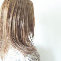 大人かわいい ブルーアッシュ ナチュラル セミロング ヘアスタイルや髪型の写真・画像