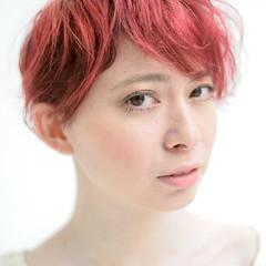 外国人風 レッド ショート モード ヘアスタイルや髪型の写真・画像