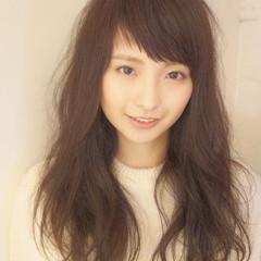 外国人風 斜め前髪 オン眉 レイヤーカット ヘアスタイルや髪型の写真・画像