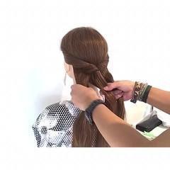 アウトドア フェミニン ヘアアレンジ ロング ヘアスタイルや髪型の写真・画像