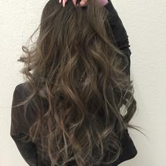 グレージュ イルミナカラー 3Dカラー ネイビーアッシュ ヘアスタイルや髪型の写真・画像