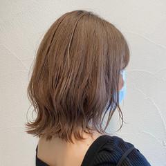 ミニボブ ミルクティー ナチュラル 切りっぱなしボブ ヘアスタイルや髪型の写真・画像