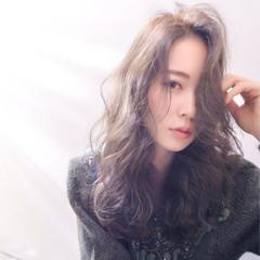 外国人風 小顔 セミロング 前髪あり ヘアスタイルや髪型の写真・画像