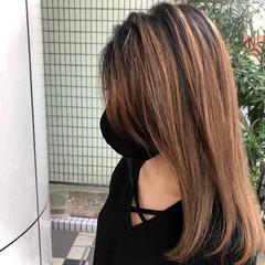バレイヤージュ ナチュラル ミルクティーグレージュ ダブルカラー ヘアスタイルや髪型の写真・画像