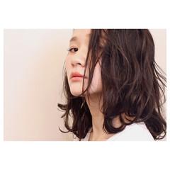 ナチュラル 透明感 セミロング アッシュベージュ ヘアスタイルや髪型の写真・画像