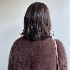 ゆるふわ 透明感カラー くせ毛風 鎖骨ミディアム ヘアスタイルや髪型の写真・画像