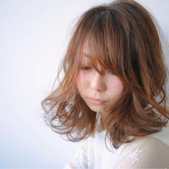 フェミニン グレージュ ミディアム ベージュ ヘアスタイルや髪型の写真・画像