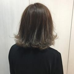 外国人風 アッシュ 暗髪 グラデーションカラー ヘアスタイルや髪型の写真・画像