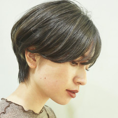 大人ショート 小顔ショート ナチュラル ショートヘア ヘアスタイルや髪型の写真・画像