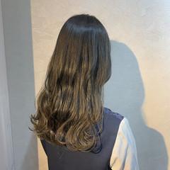 グレージュ ナチュラル 外国人風カラー ブリーチなし ヘアスタイルや髪型の写真・画像