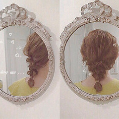 アウトドア フェミニン ヘアアレンジ ミディアム ヘアスタイルや髪型の写真・画像