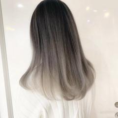 インナーカラー モード ハイライト ロング ヘアスタイルや髪型の写真・画像