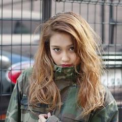 ハイライト 外国人風 パーマ ロング ヘアスタイルや髪型の写真・画像