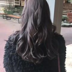 フェミニン アッシュグレージュ グレージュ 暗髪 ヘアスタイルや髪型の写真・画像