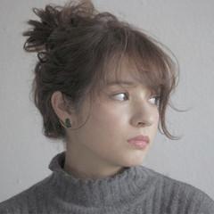 簡単ヘアアレンジ ショート アッシュ セミロング ヘアスタイルや髪型の写真・画像