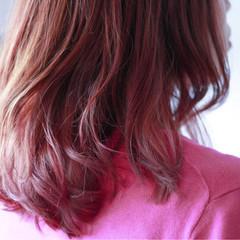 ナチュラル 秋 ハイライト ベリーピンク ヘアスタイルや髪型の写真・画像