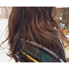 冬 個性的 ロング ブリーチ ヘアスタイルや髪型の写真・画像