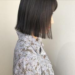 透明感 切りっぱなし アッシュグレー ナチュラル ヘアスタイルや髪型の写真・画像