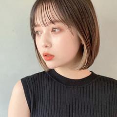 デート ボブ イヤリングカラーベージュ アンニュイほつれヘア ヘアスタイルや髪型の写真・画像