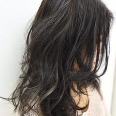 ナチュラル ハイライト アッシュ 黒髪 ヘアスタイルや髪型の写真・画像