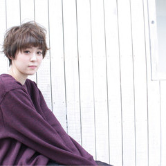 ナチュラル フェミニン ショート 色気 ヘアスタイルや髪型の写真・画像