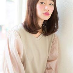 ミディアム 夏 パーマ レイヤーカット ヘアスタイルや髪型の写真・画像
