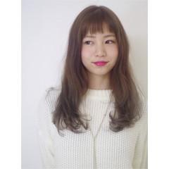外国人風 アッシュ ナチュラル 前髪あり ヘアスタイルや髪型の写真・画像