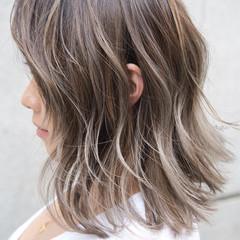 バレイヤージュ ローライト ボブ ガーリー ヘアスタイルや髪型の写真・画像