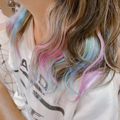 ダブルカラー セミロング カラーバター インナーカラー ヘアスタイルや髪型の写真・画像