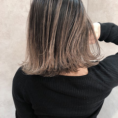 エレガント バレイヤージュ 外国人風 グレージュ ヘアスタイルや髪型の写真・画像