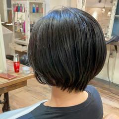 ショートヘア ワンカールパーマ ショート ナチュラル ヘアスタイルや髪型の写真・画像