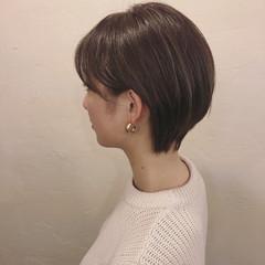 グレージュ アッシュグレージュ ナチュラル グレー ヘアスタイルや髪型の写真・画像