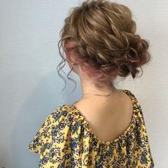 ミディアム フェミニン ヘアアレンジ アップスタイル ヘアスタイルや髪型の写真・画像