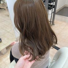 アッシュベージュ アッシュ イルミナカラー アッシュブラウン ヘアスタイルや髪型の写真・画像
