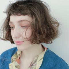 外国人風 パーマ ボブ ミルクティー ヘアスタイルや髪型の写真・画像