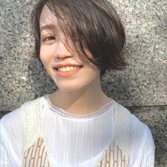 ショートヘア 切りっぱなしボブ インナーカラー ミニボブ ヘアスタイルや髪型の写真・画像