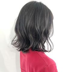 アッシュグレージュ 外ハネボブ ガーリー コテ巻き ヘアスタイルや髪型の写真・画像