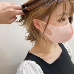 イヤリングカラー 切りっぱなしボブ インナーカラー イヤリングカラーベージュ ヘアスタイルや髪型の写真・画像